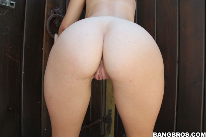 Missi Daniels Ass and Pussy